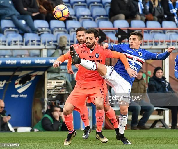 Lucas Torreira of Sampdoria and Riccardo Saponara of Empoli during the Serie A match between UC Sampdoria and Empoli FC at Stadio Luigi Ferraris on...