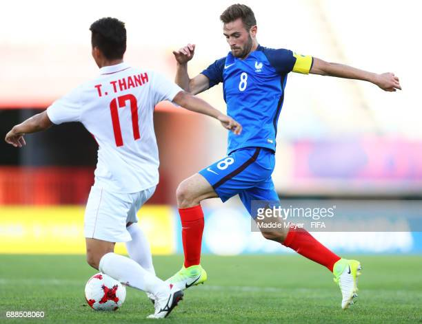 Lucas Tousart of France and Thanh Tran of Vietnam battle for control of the ball during the FIFA U20 World Cup Korea Republic 2017 group E match...