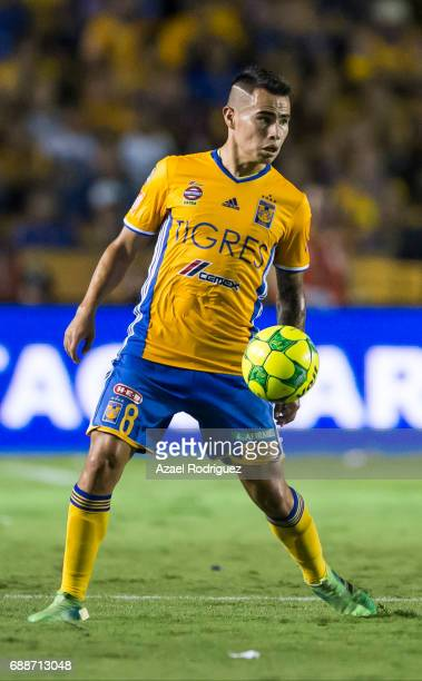 Lucas Zelarayan of Tigres controls the ball during the Final first leg match between Tigres UANL and Chivas as part of the Torneo Clausura 2017 Liga...