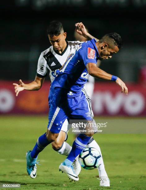 Lucca of Ponte Preta and Rafinha of Cruzeiro in action during the match between Ponte Preta and Cruzeiro for the Brasileirao Series A 2017 at Moises...