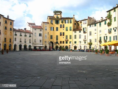 lucca's square