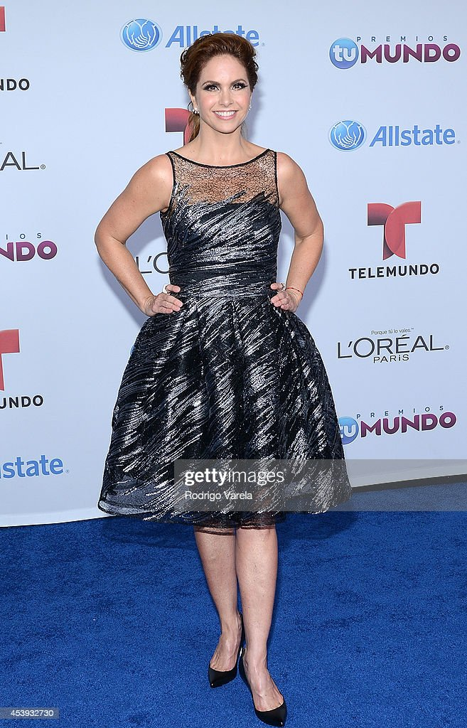 <a gi-track='captionPersonalityLinkClicked' href=/galleries/search?phrase=Lucero&family=editorial&specificpeople=4680283 ng-click='$event.stopPropagation()'>Lucero</a> arrives at Premios Tu Mundo Awards at American Airlines Arena on August 21, 2014 in Miami, Florida.