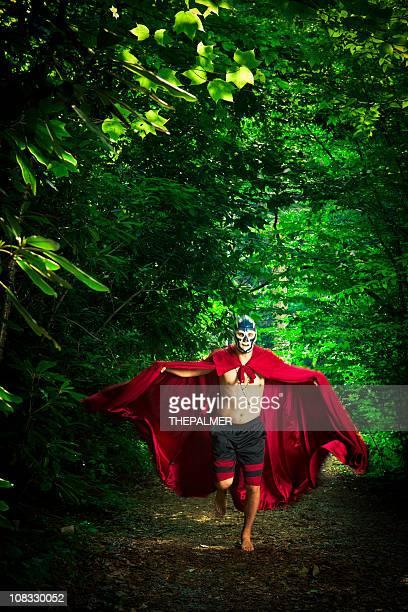 lucha libre Lutador na floresta