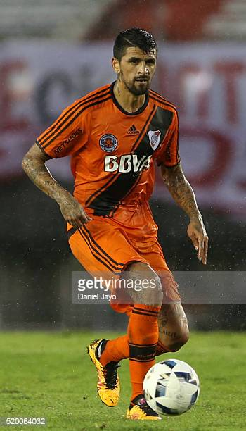 Lucho Gonzalez of River Plate passes the ball during a match between River Plate and Sarmiento as part of Torneo Transicion 2016 at Monumental...