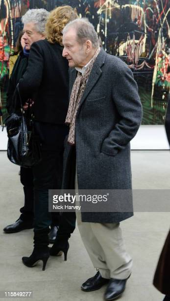 Lucian Freud attends a Private View of Rosson Crow at White Cube on January 15 2009 in London England