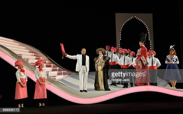 Luciano Botelho as Liondoro Riccardo Novaro as Taddeo Quirijn de Lang as Mustafa and Ezgi Kutlu as Isabella with artists of the company in Garsington...