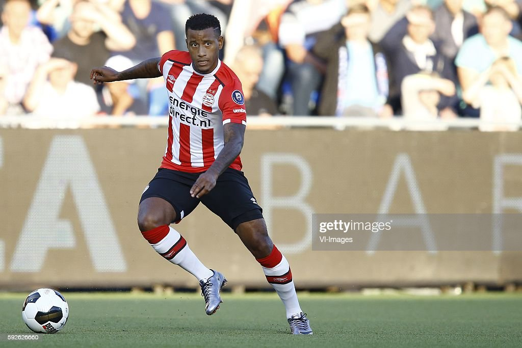 Luciano Narsingh during the Dutch Eredivisie match between PEC Zwolle and PSV at the MAC#179PARK stadion on august 20 2016 in Zwolle the Netherlands