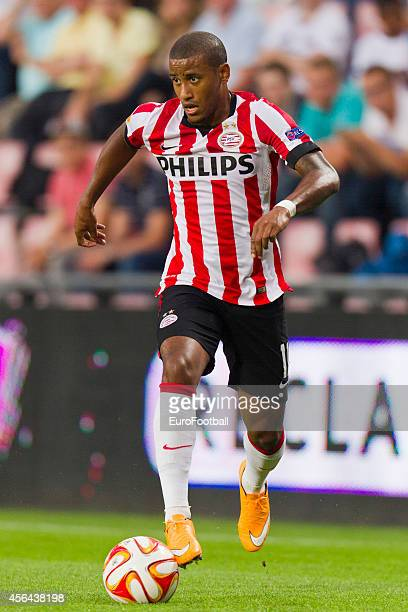 Luciano Narsingh of PSV Eindhoven in action during the UEFA Europa League match between PSV Eindhoven and Estoril Praia at the Philips Stadium on...