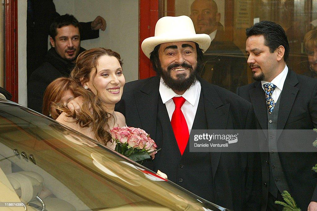 Luciano pavarotti marries nicoletta mantovani getty images for Luciano pavarotti nicoletta mantovani
