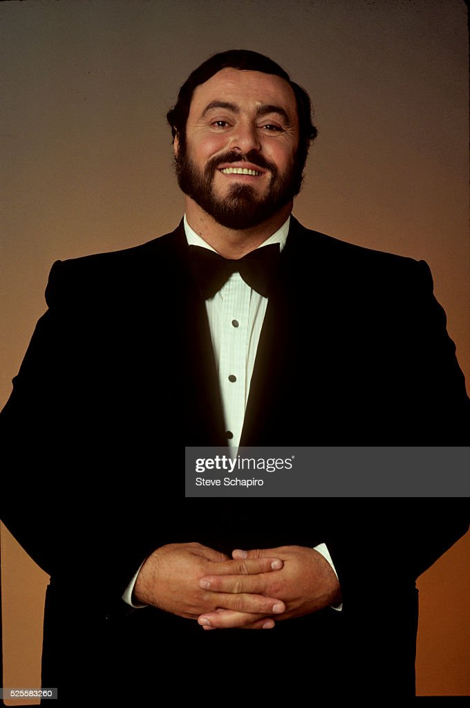 <a gi-track='captionPersonalityLinkClicked' href=/galleries/search?phrase=Luciano+Pavarotti&family=editorial&specificpeople=204196 ng-click='$event.stopPropagation()'>Luciano Pavarotti</a>