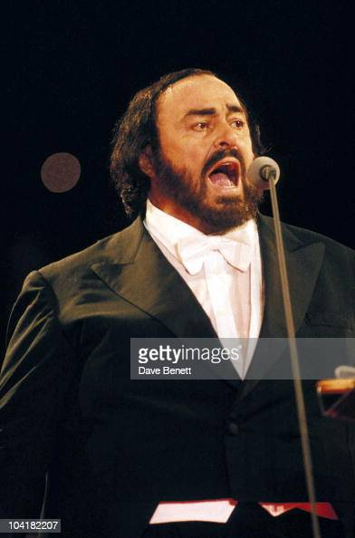 Luciano Pavarotti Three Tenors Concert At Wembley Stadium Lucianopavarottiretro