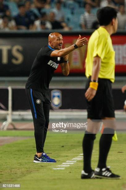 Luciano Spalleti of FC Internationale reacts during the 2017 International Champions Cup football match between FC Internationale v Olympique...