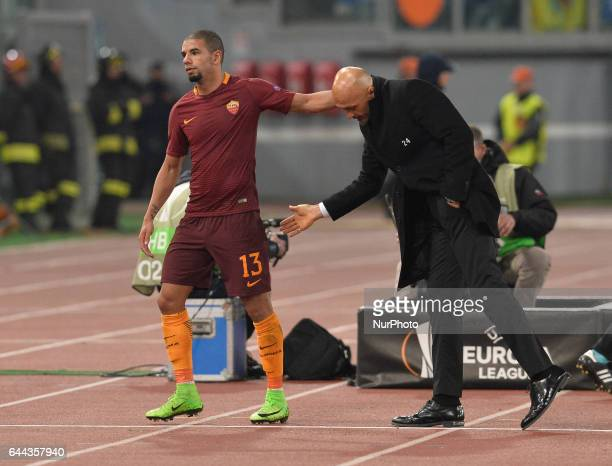 Luciano Spalletti Bruno Peres during the Europe League football match AS Roma vs Villarreal at the Olympic Stadium in Rome on february 23 2017