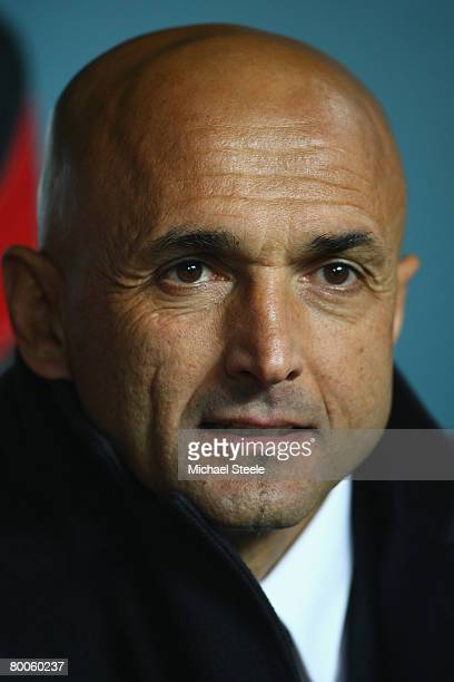 Luciano Spalletti coach of Roma during the Serie A match between Inter Milan and Roma at the San Siro stadium on February 27 2008 in MilanItaly