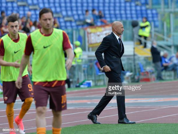 Luciano Spalletti Francesco Totti during the Italian Serie A football match between AS Roma and AC Atalanta at the Olympic Stadium in Rome on april...