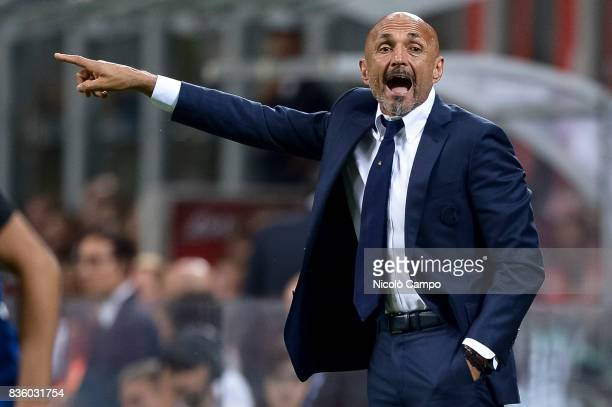 Luciano Spalletti head coach of FC Internazionale gestures during the Serie A football match between FC Internazionale and ACF Fiorentina FC...