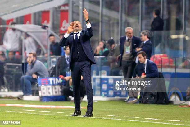 Luciano Spalletti head coach of FC Internazionale gestures during the Serie A match between FC Internazionale and AC Milan Fc Internazionale wins 32...
