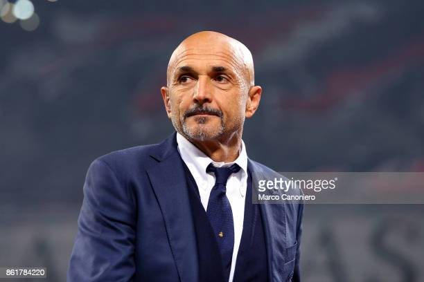 Luciano Spalletti head coach of FC Internazionale look on before the Serie A match between FC Internazionale and AC Milan Fc Internazionale wins 32...