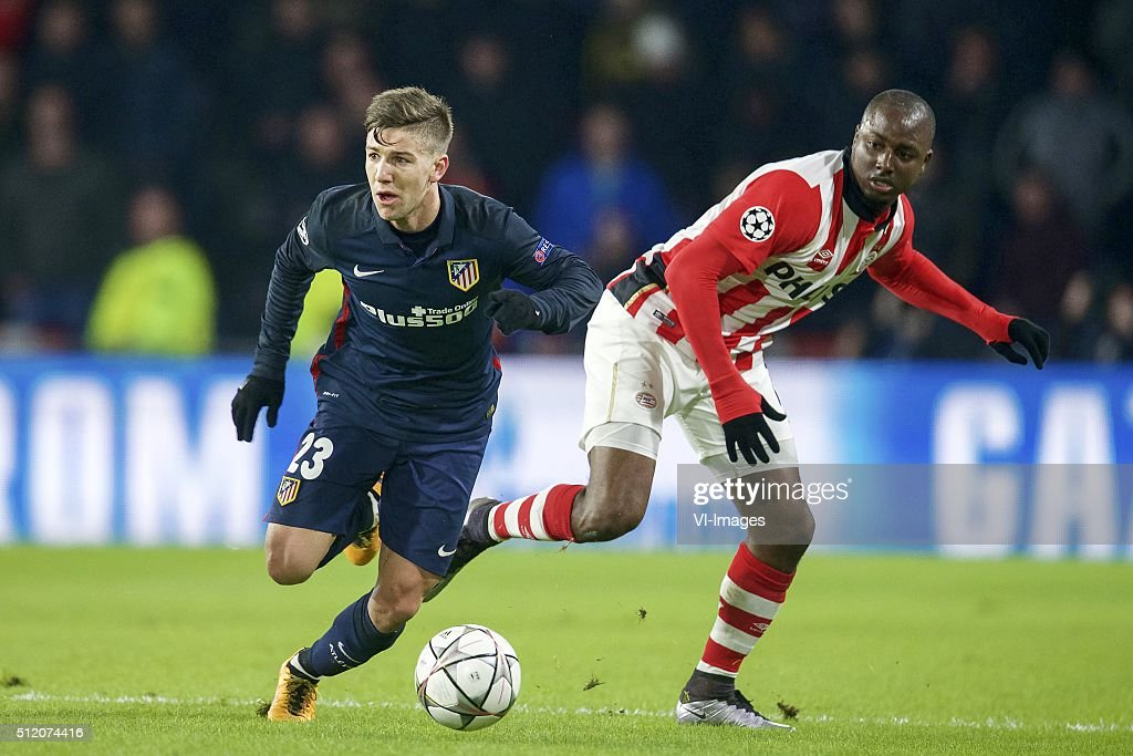 <a gi-track='captionPersonalityLinkClicked' href=/galleries/search?phrase=Luciano+Vietto&family=editorial&specificpeople=9755198 ng-click='$event.stopPropagation()'>Luciano Vietto</a> of Club Atletico de Madrid, Gaston Pereiro of PSV during the UEFA Champions League Round of 16, First leg match between PSV Eindhoven and Atletico Madrid on February 24, 2016 at the Philips stadium in Eindhoven, The Netherlands.