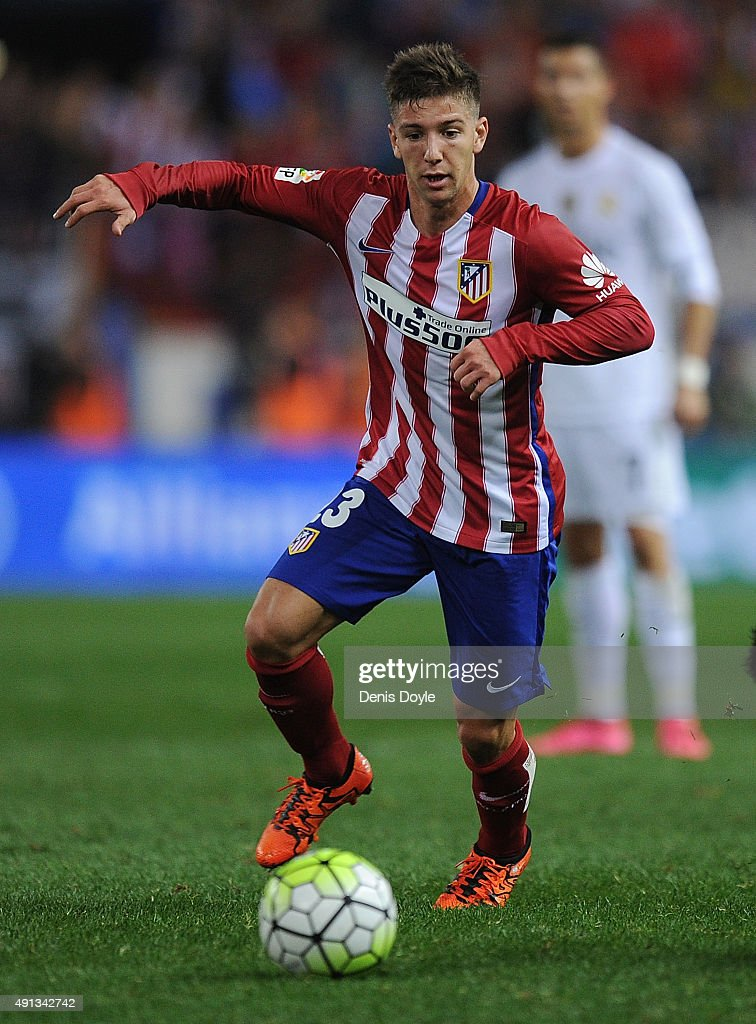 <a gi-track='captionPersonalityLinkClicked' href=/galleries/search?phrase=Luciano+Vietto&family=editorial&specificpeople=9755198 ng-click='$event.stopPropagation()'>Luciano Vietto</a> of Club Atletico de Madrid in action during the La Liga match between Club Atletico de Madrid and Real Madrid at Vicente Calderon Stadium on October 4, 2015 in Madrid, Spain.