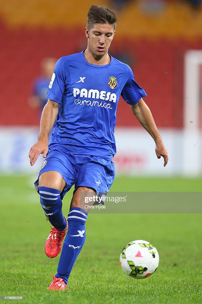 <a gi-track='captionPersonalityLinkClicked' href=/galleries/search?phrase=Luciano+Vietto&family=editorial&specificpeople=9755198 ng-click='$event.stopPropagation()'>Luciano Vietto</a> of Villarreal CF controls the ball during the international friendly match between the Brisbane Roar and Villarreal CF at Suncorp Stadium on June 3, 2015 in Brisbane, Australia.