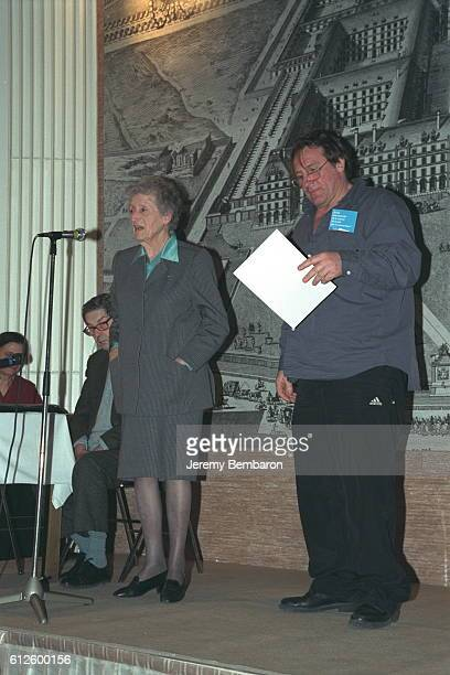 Lucie Aubrac with Gérard Depardieu who came to recite poetry to former French Resistance fighters