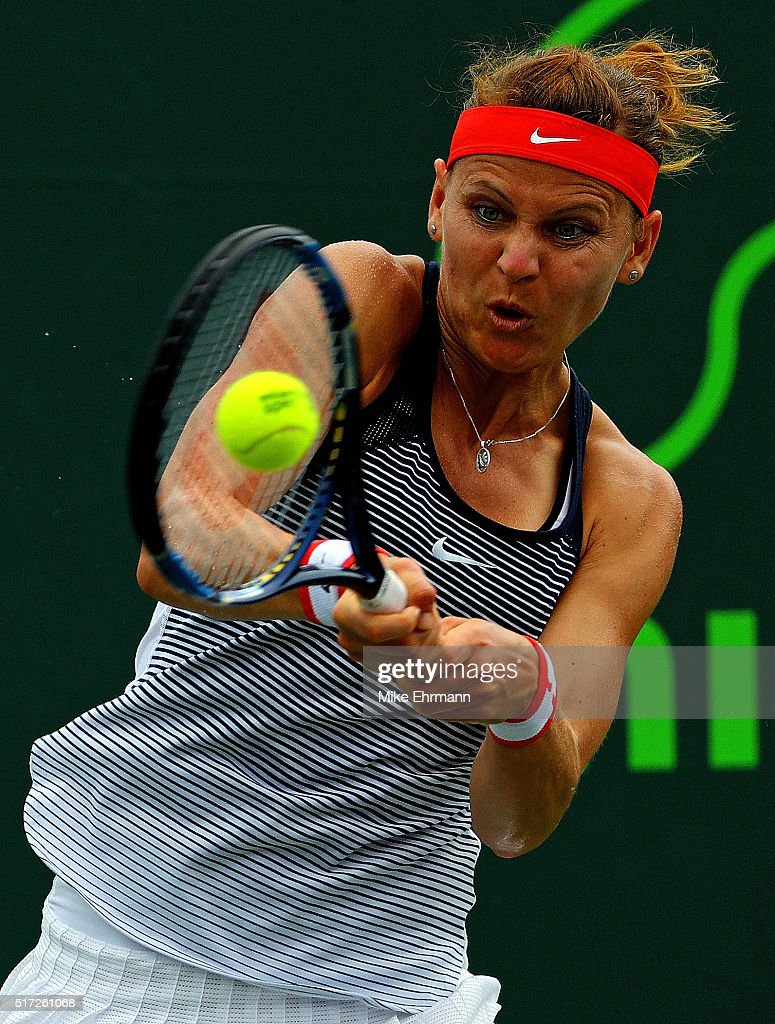Safarova wins 2016 J&T Banka Prague Open