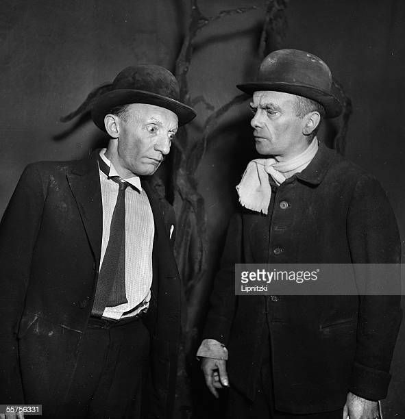 Lucien Raimbourg and Pierre Latour in ' Waiting for Godot ' of Samuel Beckett Production of Roger Blin Paris theatre Babylon 1953 LIP21005007
