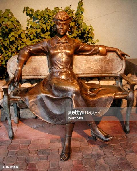 Lucille Ball 'I Love Lucy' Bronze Statue during Lucille Ball Bronze StatuePalm Springs at Palm Springs in Palm Springs California United States