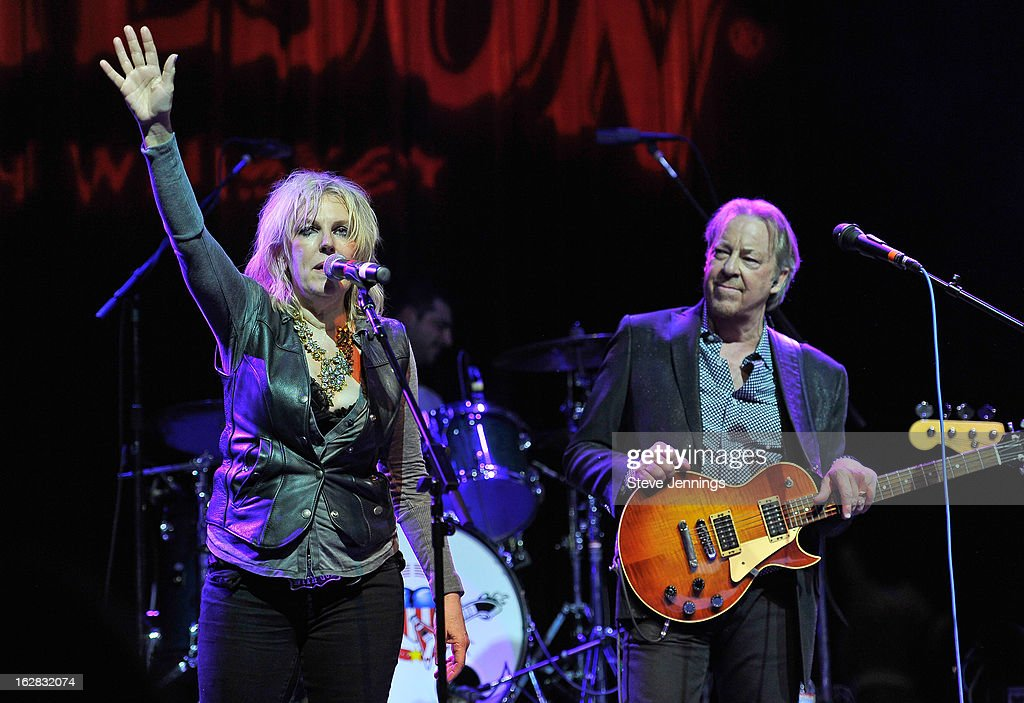 <a gi-track='captionPersonalityLinkClicked' href=/galleries/search?phrase=Lucinda+Williams&family=editorial&specificpeople=1321669 ng-click='$event.stopPropagation()'>Lucinda Williams</a> and <a gi-track='captionPersonalityLinkClicked' href=/galleries/search?phrase=Boz+Scaggs&family=editorial&specificpeople=1126013 ng-click='$event.stopPropagation()'>Boz Scaggs</a> (L-R) perform on stage as Jameson Best Fest launches Petty Fest at The Fillmore on February 27, 2013 in San Francisco, California.