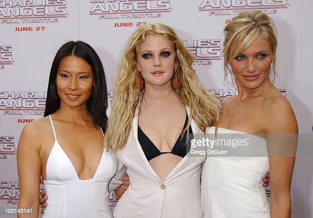 Lucy Liu Drew Barrymore Cameron Diaz during 'Charlie's Angels 2 Full Throttle' Premiere at Mann's Chinese Theater in Hollywood California United...