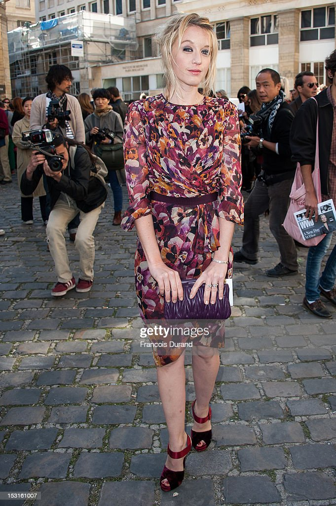Ludivine Sagnier arrives at the Giambattista Valli Spring / Summer 2013 show as part of Paris Fashion Week on October 1, 2012 in Paris, France.