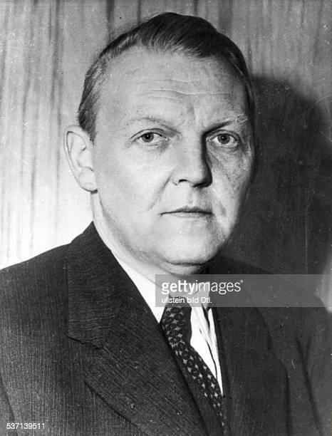 Ludwig ErhardLudwig Erhard Politiker CDU D Porträt 1948