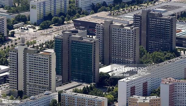 Luftbild Luftaufnahme Ansicht Halle Saale Sachsen Anhalt Halle Neustadt Plattenbausiedlung Platte Plattenbau Neubau Scheiben Scheibe