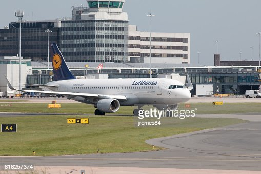 Lufthansa A319 : Stock Photo