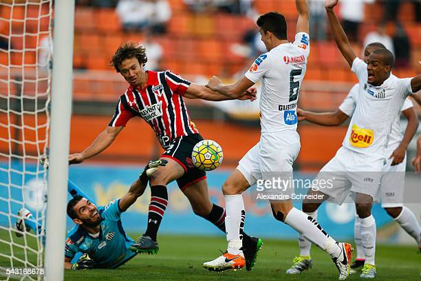 Lugano o Sao Paulo in action during the match between Santos and Sao Paulo for the Brazilian Series A 2016 at Pacaembu stadium on June 26 2016 in Sao...