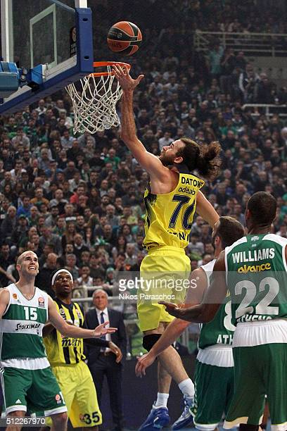 Luigi Datome #70 of Fenerbahce Istanbul in action during the 20152016 Turkish Airlines Euroleague Basketball Top 16 Round 8 game between...