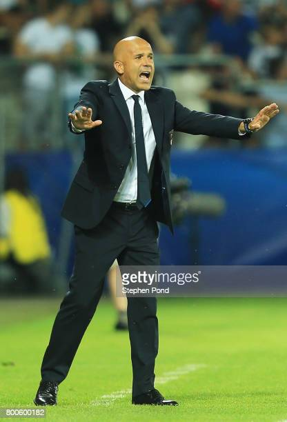 Luigi Di Biagio coach of Italy reacts during the 2017 UEFA European Under21 Championship Group C match between Italy and Germany at Stadion Cracovia...
