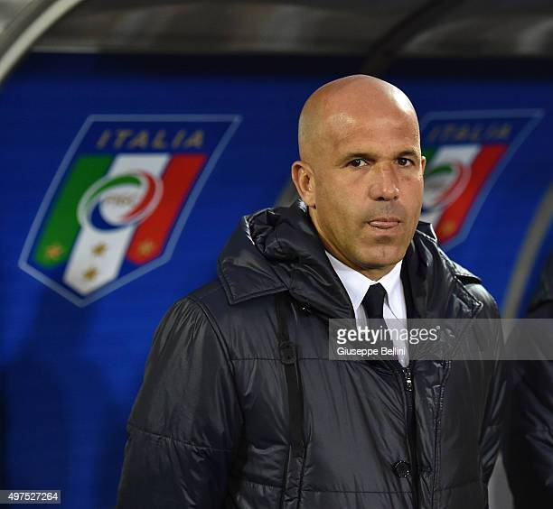 L'AQUILA ITALY NOVEMBER 17 Luigi Di Biagio head coach of Italy during the 2017 UEFA European U21 Championships Qualifier between Italy U21 and...