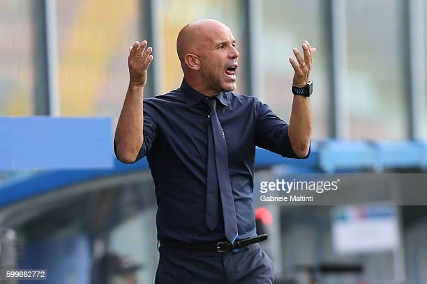 Luigi Di Biagio manager of Italy U21 shouts instructions to his players during the UEFA European U21 Championships Qualifier match between Italy U21...