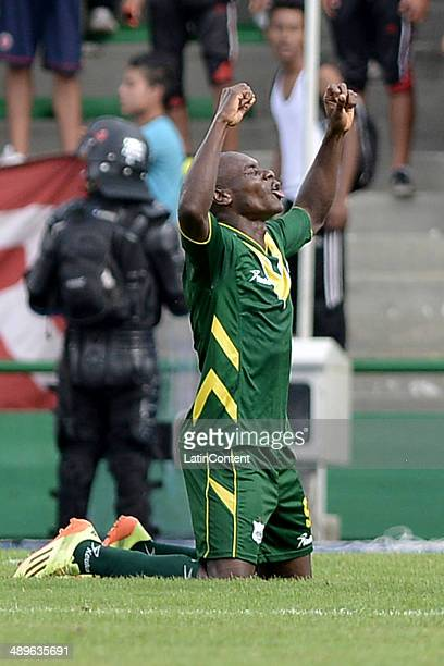 Luis Alexander Mosquera of Deportes Quindio celebrates after scoring the opening goal against America de Cali during a match between America de Cali...