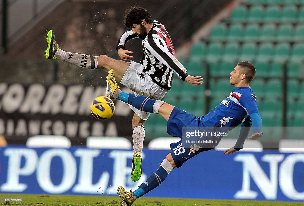 Luis Carlos Novo Neto (L) of AC Siena fights for the ball with Mauro Emanuel Icardi of UC Sampdoria during the Serie A match between AC Siena and UC Sampdoria at Stadio Artemio Franchi on January 20, 2013 in Siena, Italy.