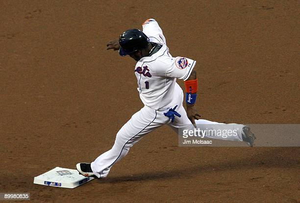 Luis Castillo the New York Mets runs the bases in the first inning against the Atlanta Braves on August 20 2009 at Citi Field in the Flushing...