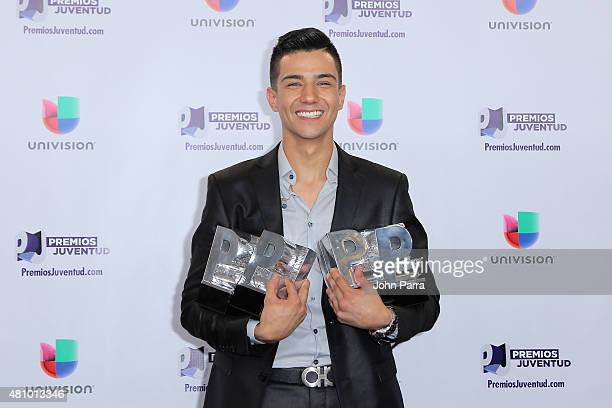 Luis Coronel poses with his award at Univision's Premios Juventud 2015 at Bank United Center on July 16 2015 in Miami Florida