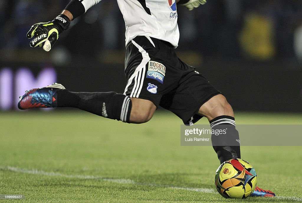 Luis Delgado Goalkeeper of Millonarios in action during a match between Millonarios and Independiente Santa Fe as part of the Superliga Postobon 2013 at the Nemesio Camacho Stadium on January 24, 2013 in Bogota, Colombia.