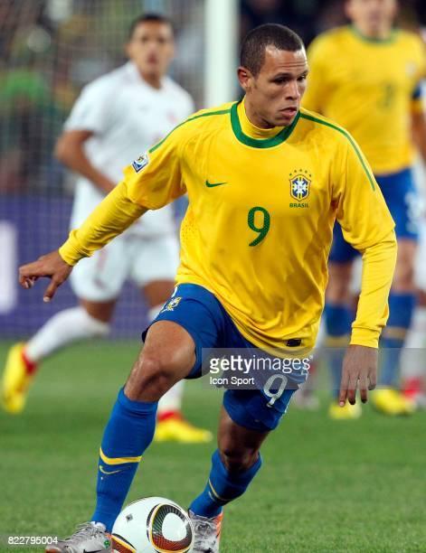 Luis FABIANO Bresil / Chili 8eme de Finale coupe du monde 2010 Afrique du Sud