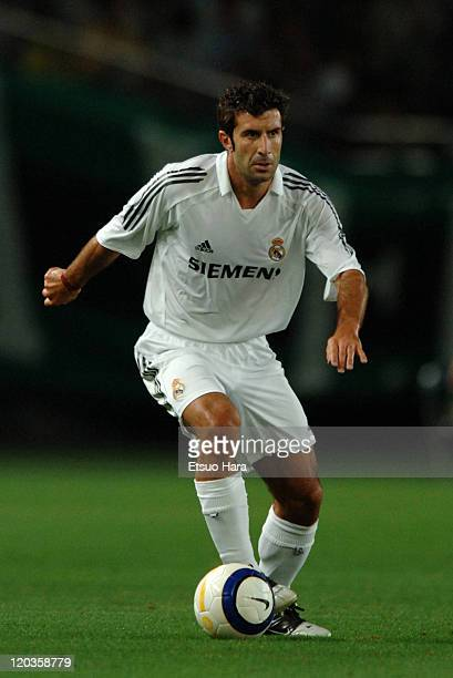Luis Figo of Real Madrid in action during the preseason friendly match between Tokyo Verdy 1969 and Real Madrid at Ajinomoto Stadium on July 25 2005...