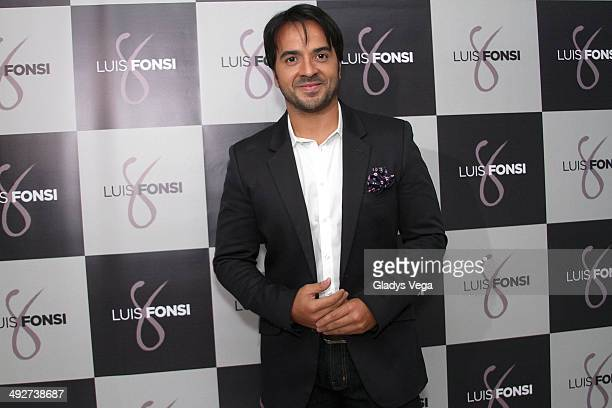 Luis Fonsi attends a press conference and talks about his album '8' on May 21 2014 in San Juan Puerto Rico
