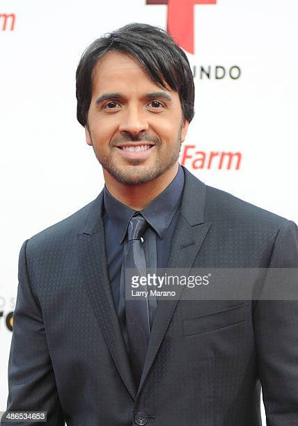 Luis Fonsi attends the 2014 Billboard Latin Music Awards at Bank United Center on April 24 2014 in Miami Florida