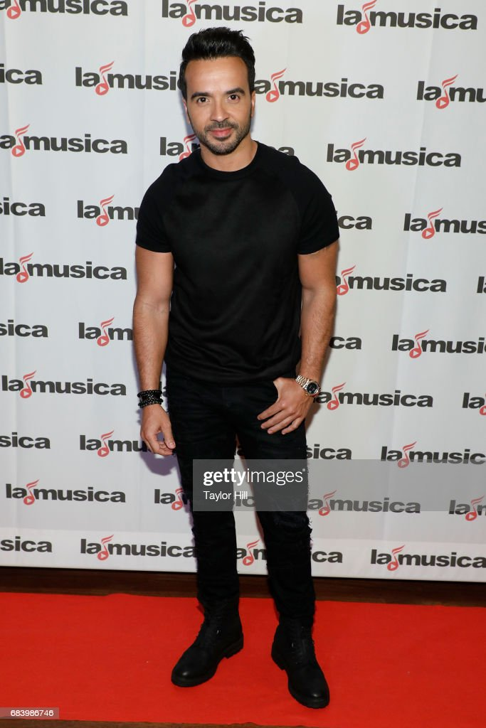 Luis Fonsi attends the 2017 Spanish Broadcasting System Upfront at Copacabana Club - Times Square on May 16, 2017 in New York City.
